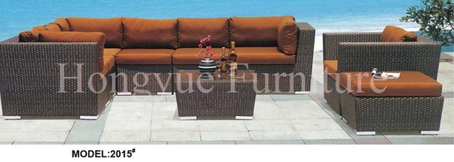Marrón conjunto de muebles de jardín de ratán sofá de la esquina con cojines y almohadas