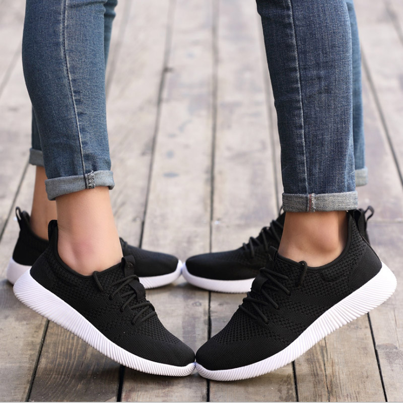 2017 New Black White Running shoes for Man Woman Lifestyle Lace-up Shoe light soft comfortable breathable Pink Women's shoes Low