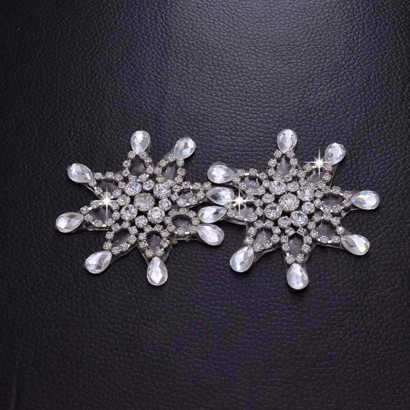 DIY Hot fix Crystal Rhinestone Patches Applique Clear Stone Trimming Bridal  Wedding Dress Garment Clothing Decoration HD 510-in Patches from Home    Garden ... abd8b9daaa3a