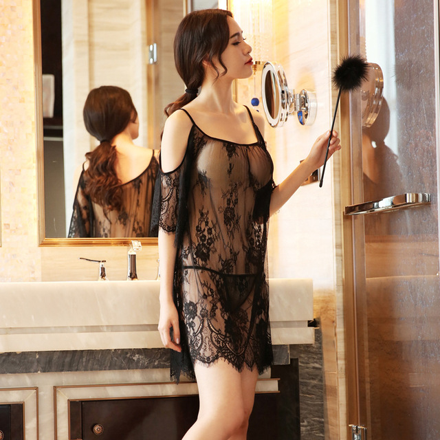 Yhotmeng2019 new mesh transparent sexy sling five-point sleeves flowers sexy lace pajamas nightdress set black and white 1