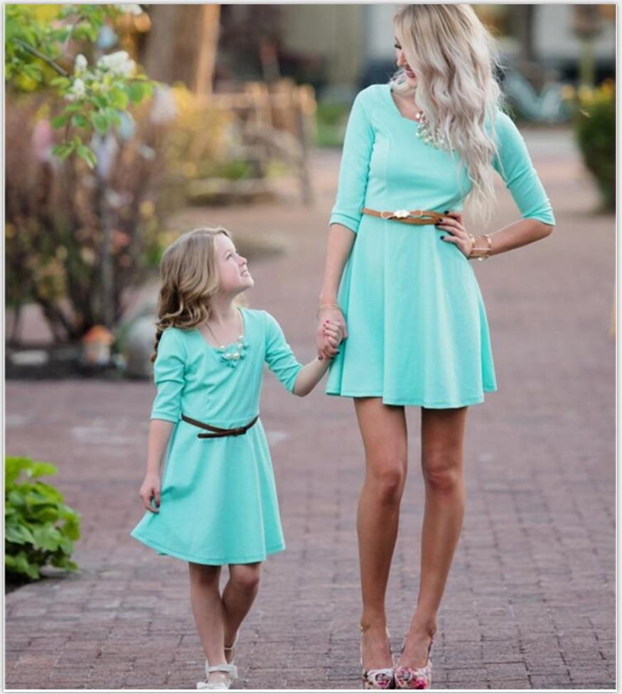 Трапециевидной формы мать и дочь платья Mid зеленый Семья подходящая друг к другу одежда сладкий три четверти одежда для мамы и меня мини сем... ...