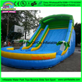 Durable PVC despeje tobogán inflable/tobogán inflable gigante para adultos, regulador de agua inflable