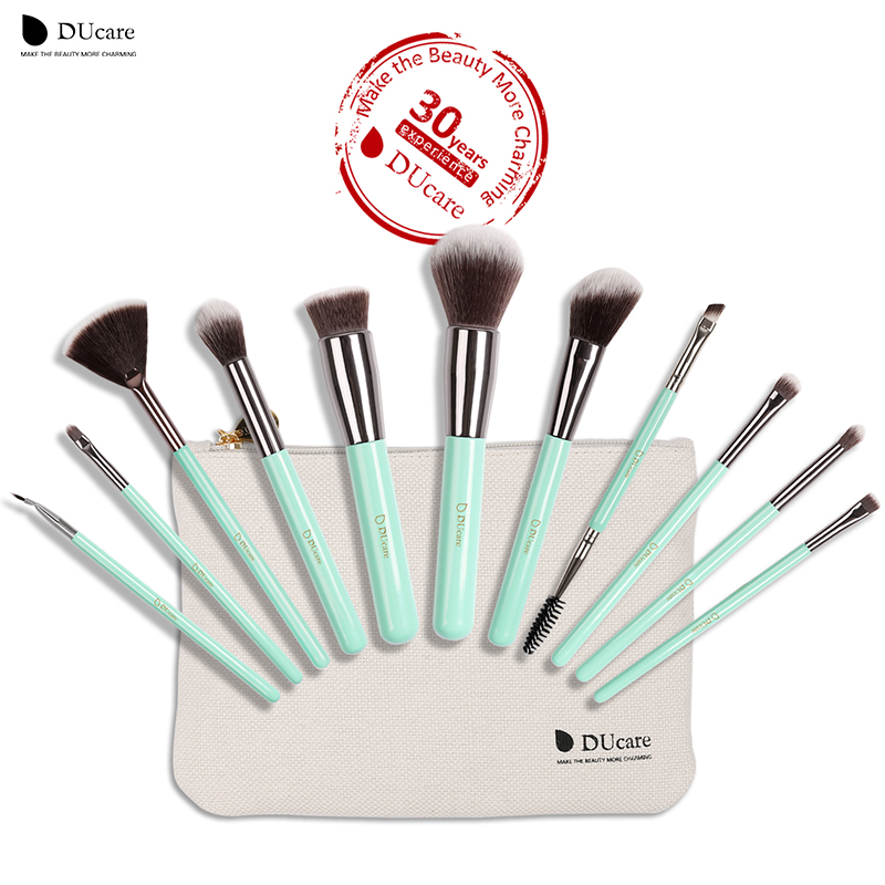 цена на DUcare 11PCS Makeup Brushes Set Professional Light Green Handle Make Up Brush Powder Foundation Angled Eyeliner Brush with Bag