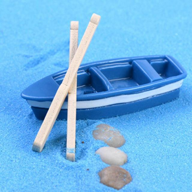 1Pcs Plastic Boat 2pcs Paddles Miniature Craft DIY Micro World Bonsai Garden Small Ornament Figurines