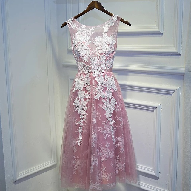 Red Pink Blue White Lace Appliques Short Evening Dresses Women Luxury Formal  Gown Prom Dresses Robe 2e3e09182dd2