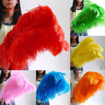 ChengBright 100pcs 26-28 Inch Big Pole White Ostrich Feathers Plumes for Party Home Wedding Decorations plume Ostrich Feather