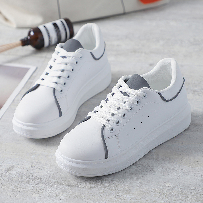 Classic White Flat Platform Shoes Women Casual Shoes Shine Women Sneakers Women Chunky Shoes Breathable Walking Trainers female