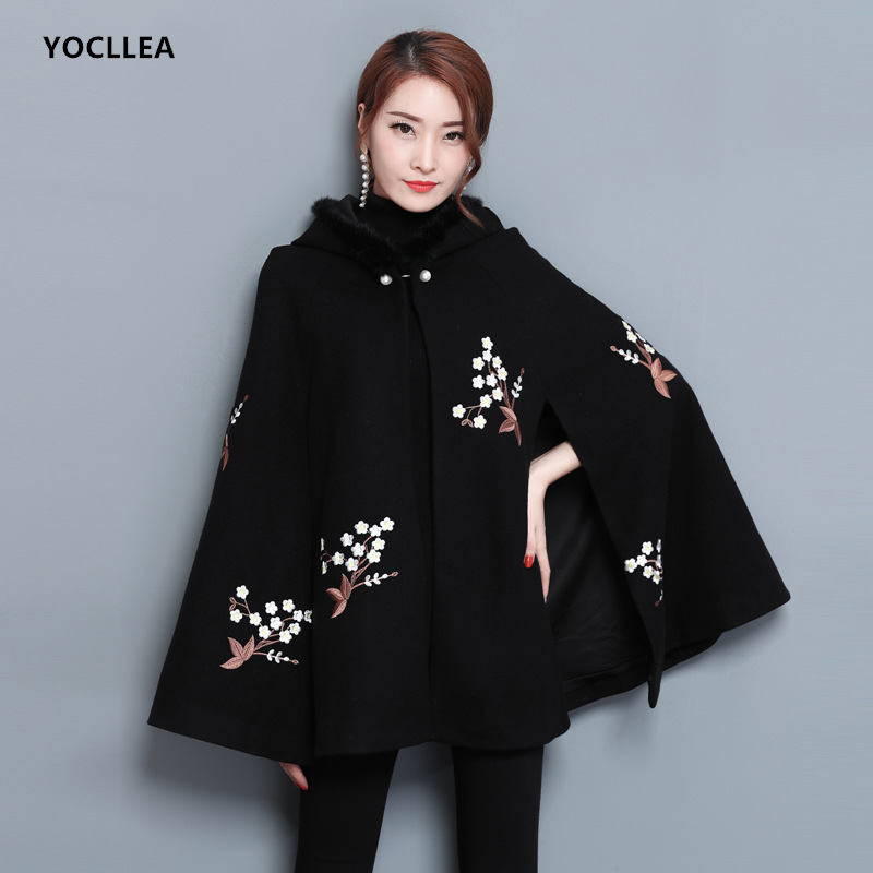 Black Embroidery Hooded Capes Ponchos for women Vintage Autumn Winter Doulbe size Wool Coats female Fur collar Ponchos gorras planas de fortnite