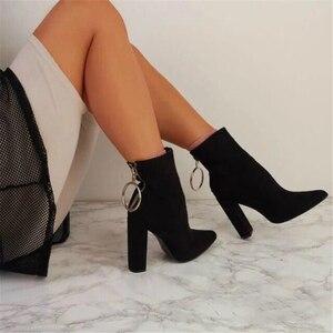 Image 2 - 2020 אופנה יוקרה נשים 10.5cm גבוהה עקבים פטיש גרב מגפי עור בלוק לבן עקבים קרסול מגפי Scarpins שמנמן נעליים YMN 36