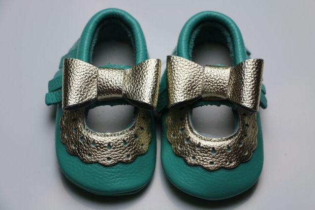2016 новая горячая весна Натуральная кожа детская обувь для девочек Первые Ходунки Малышей детские полые мягкой подошве мокасины для новых новорожденных