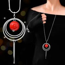 a1ae178b215c Nueva llegada las mujeres collares con colgante círculo de agua rojo largo  collar de perlas de moda collares y colgantes accesor.