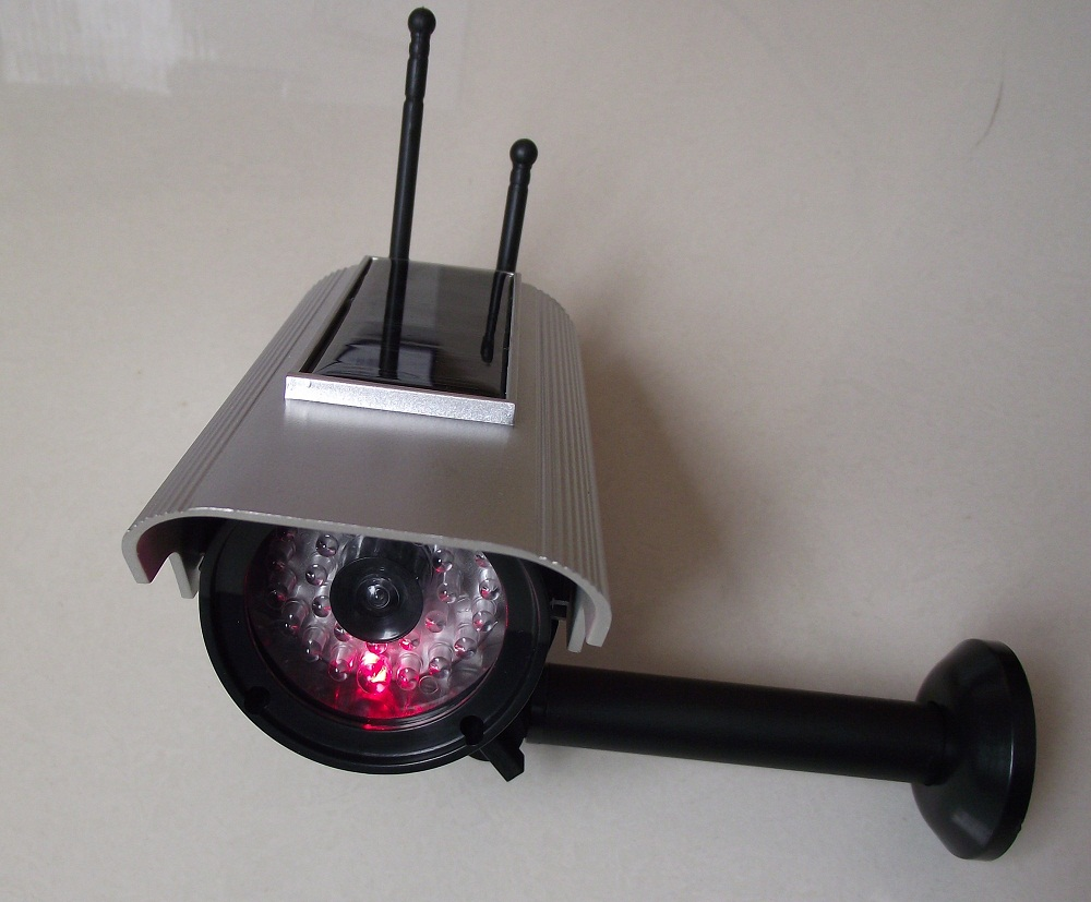 Dummy Solar Powered Fake CCTV Camera Outdoor Waterproof IR LED Emulational Camera False Monitor free shipping mon platin dsm увлажняющий крем для сухой кожи 50 мл