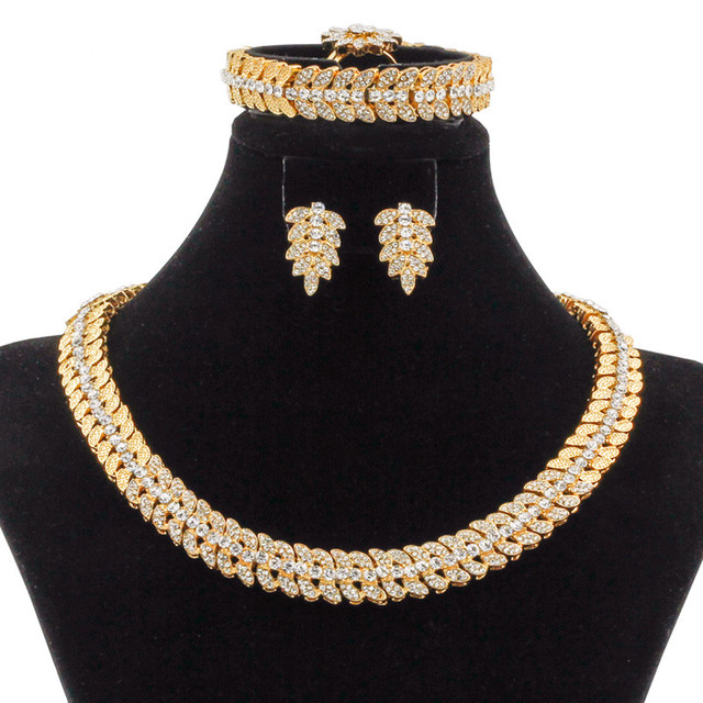 2018 Fashion Dubai Jewelry High Quality Gold Necklace Earrings Romantic Women Nigeria Crystal Wedding African Beads Jewelry Sets