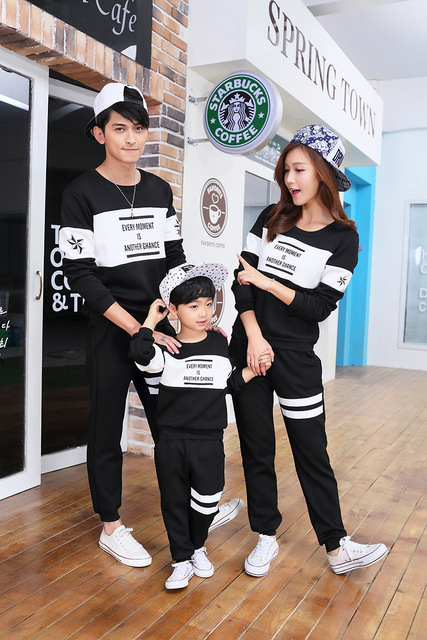 2016 family matching outfits Autumn/winter father/mother/son/daughter hoodies family fashion letter t-shirt+casual pant