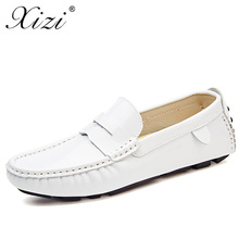 цена XIZI Brand Designer Men casual Shoes  Male Breathable Microfiber Leather loafers shoes superstar Slip-on Solid Men Driving Shoes онлайн в 2017 году