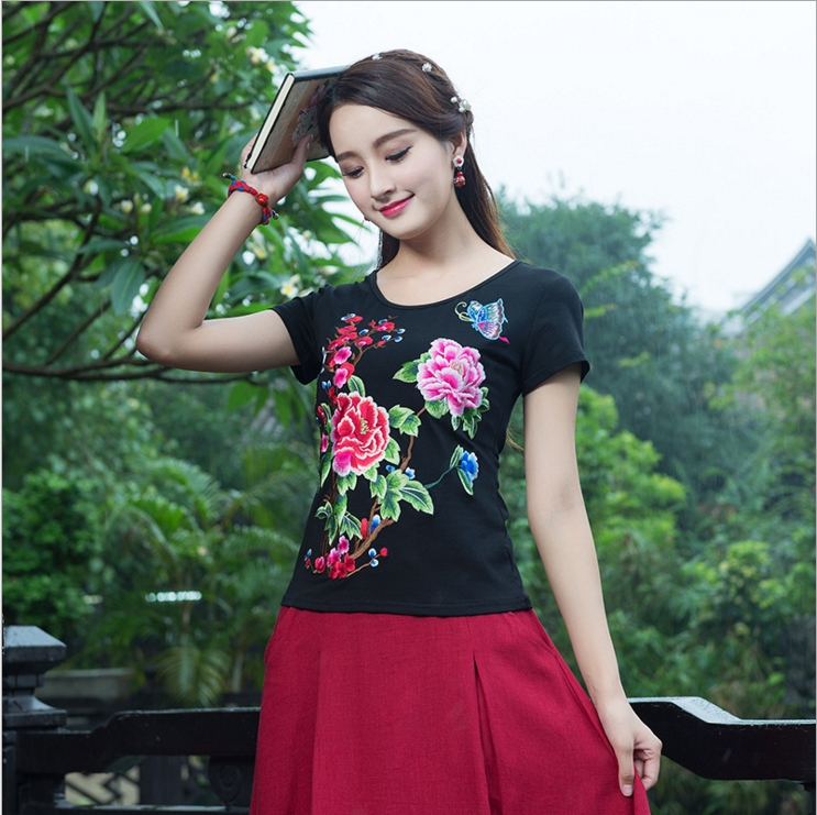 2017 new embroidery national wind short-sleeved mesh cloth Slim round cotton t-shirt