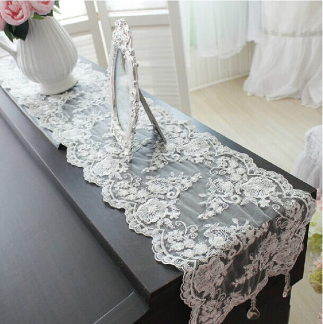Superbe Fashion Quality Lace Crystal Pendant Table Runner Luxury Table Cloth White  Wedding Decoration Pierced Tablecloth Piano