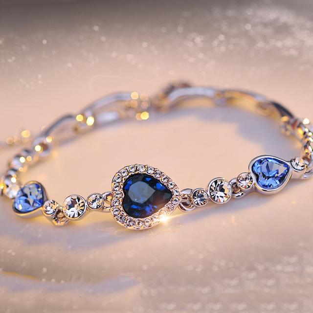 Trendy Women's Crystal Bracelet with Heart-Shaped Pendant