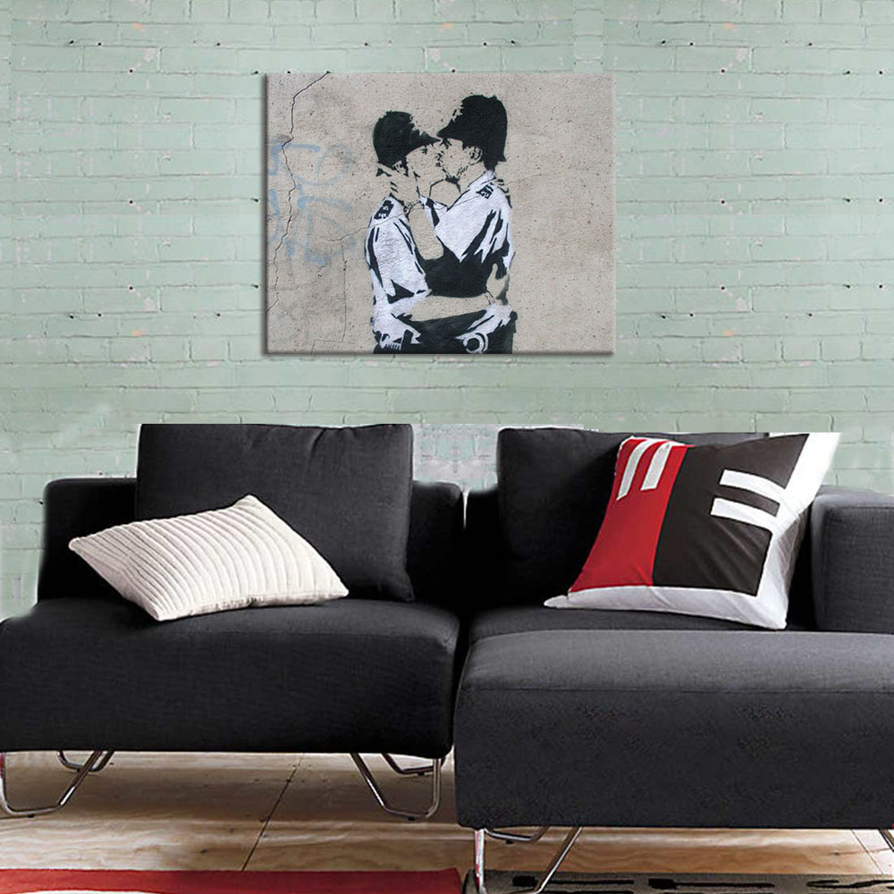 FREE SHIPPING Canvas Home Decor ArtBanksy Spray ArtKissing Coppers  PrintsInterior Room Modern CanvasUnframed50x40cm In Painting Calligraphy