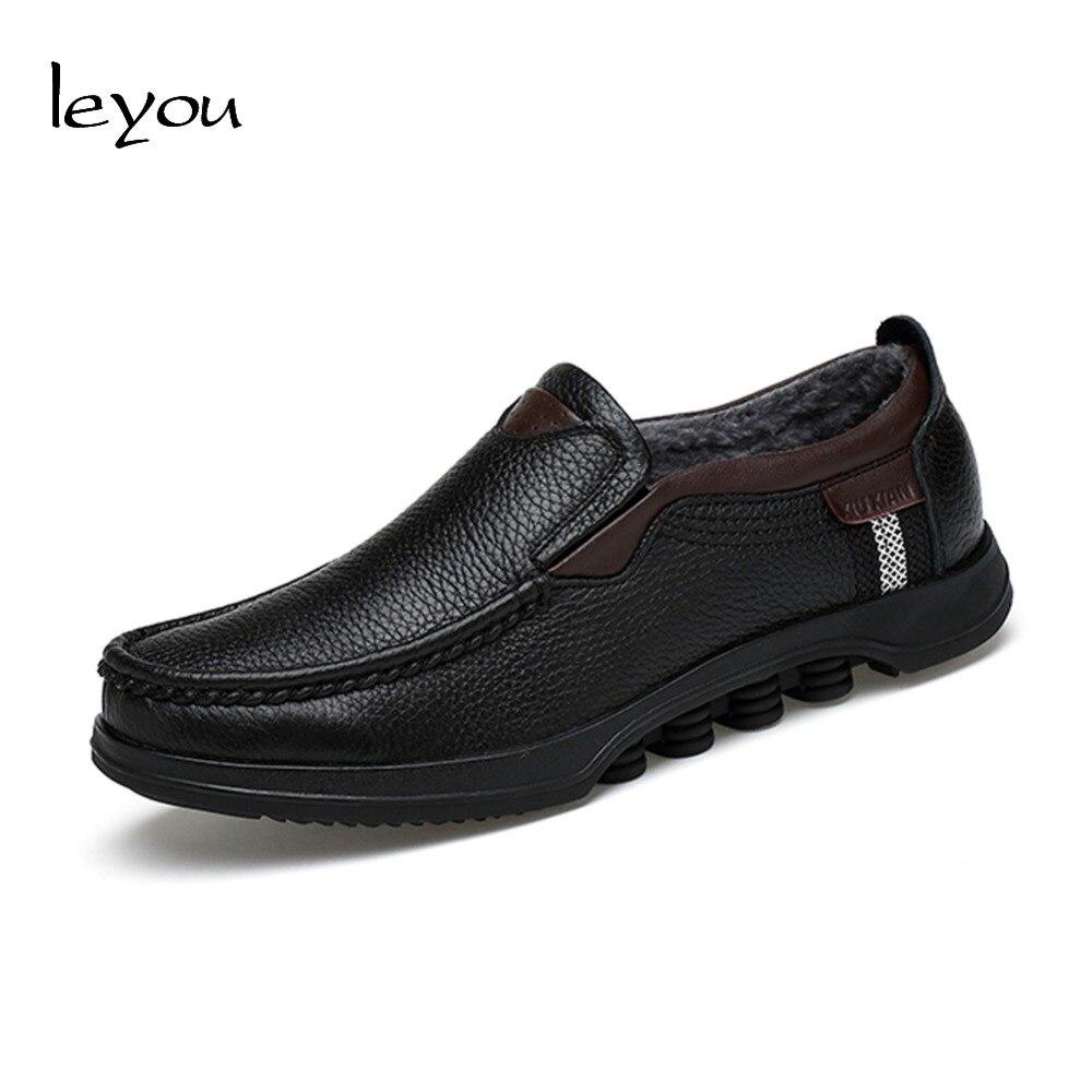 Ayakk.'ten Erkek Rahat Ayakkabılar'de Leyou boyutu artı deri makosenler sonbahar kış ayakkabı kürk rahat ayakkabılar erkekler Moccasins loafer'lar resmi hakiki deri ayakkabı yeni'da  Grup 1