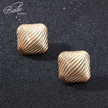 Badu Striped Metal Stud Earrings for Women Big Square Punk Geometric Earring Studs Wild Party Jewelry Large Statement Wholesale