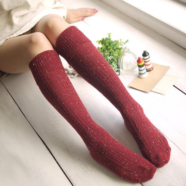 Alta calidad hasta la rodilla venta al por mayor 100% algodón de lana pensador calentadores antideslizantes chica / moda mujer calcetines