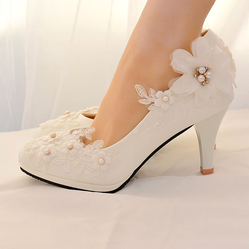 Classice White Lace Flower Wedding Shoes Woman High Heels 2019 Women Pumps Low Heels Bridal Shoes Female Shoes Big Size 41 42