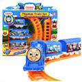Thomas Tren Eléctrico Vía Del Tren Thomas Y Amigos Tren De Ferrocarril Juguete de niño de Coche Hot Wheels Coches Máquinas Juguetes para Los Niños niños
