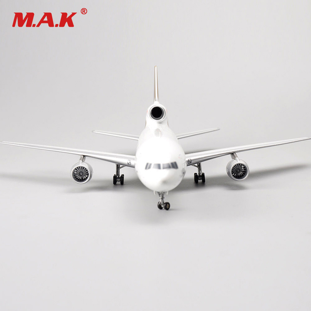 Kid Airplane Model Toys 1:200 Scale Inflight ROYAL Lockheed L-1011 Model TriStar C-FTNI Aircraft Toys Collections for Children if4742003 b747 200 china civil aviation b 2446 1 400 inflight commercial jetliners plane model hobby