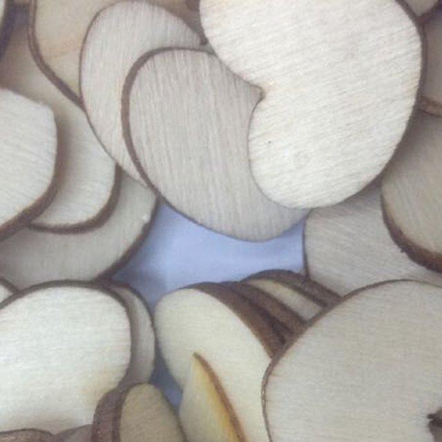 50 шт./компл. деревянными деревянные сердце любовь Форма СВАДЕБНЫЙ СТОЛ Scatter Украшения DIY творческий инструмент пуговицы