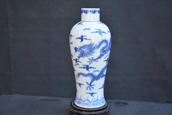 Rare QingDynasty porcelain vase,white and blue,Drgon,Hand-painted crafts,Decoration,collection &Adornment