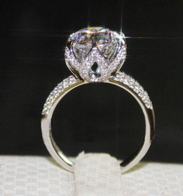 Free shipping Luxury 4 carat halo shaped NSCD Simulated Gem