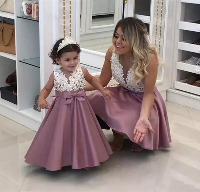 New High Quality Shiny Pearls Lace Toddler Girls Birthday Gown A Line V Neck Flower Girls Dress for Wedding Party Any Size v neck high waist lace dress