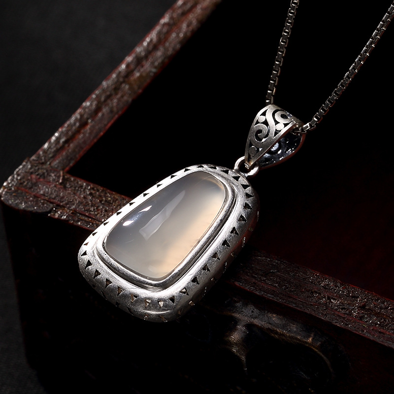 2018 Rushed Limited Accented Fashion 925 Pure Peacock Hollowed Inl Pendant Necklace For Women And Wholesale Pendant.