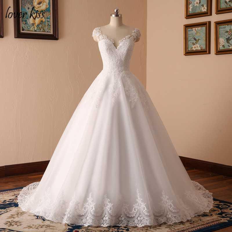 Amante beijo vestido de noiva 2018 v-neck vestidos de noiva sem mangas vestidos de noiva rendas apliques corpo imagem real robe mariage