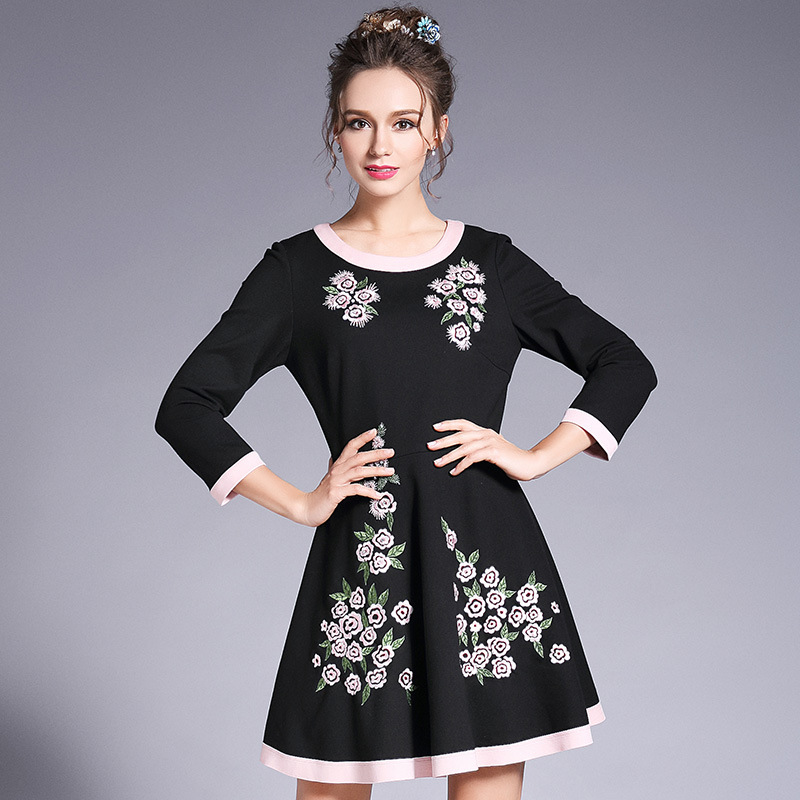 O Plus 2017 Ouyalin Taille Mujer Robe Broderie Femmes Automne L Manches 4 3 Vintage Perles Robes Cou 5xl Fleur RL34jq5A