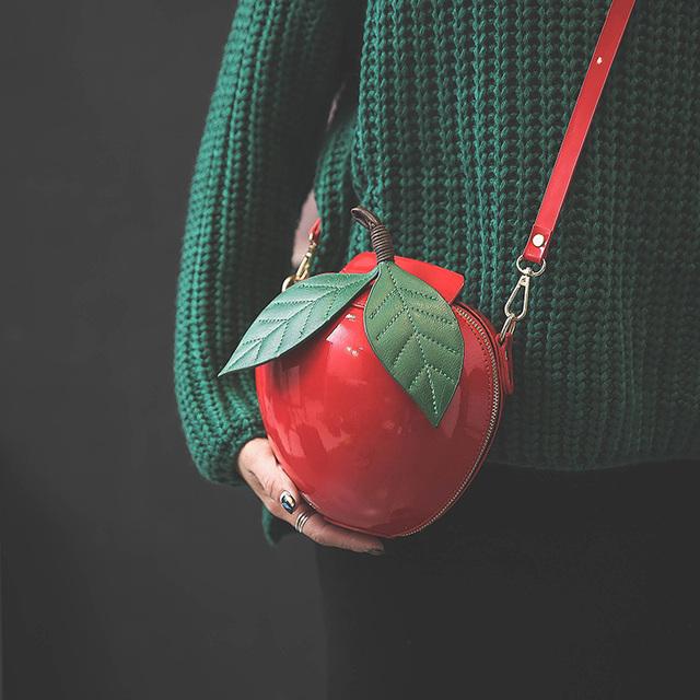 Amarte Women Apple Shaped Bag Cute Funny Women Evening Bag Party Wedding Clutch Purses Chain Shoulder Bag for Birthday Gift