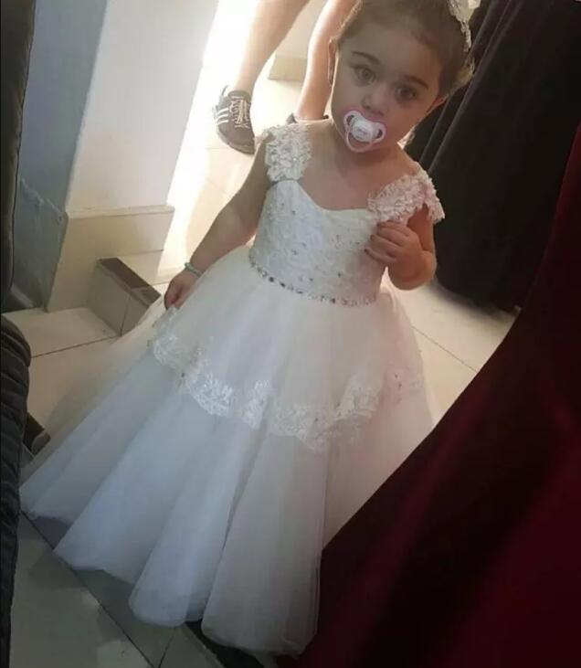 White Off Shoulder Lace Flower Girls Dresses for Wedding Birthday Party Gowns with Beaded Sash First Communion Dress white lace details off shoulder playsuits with belt page 4