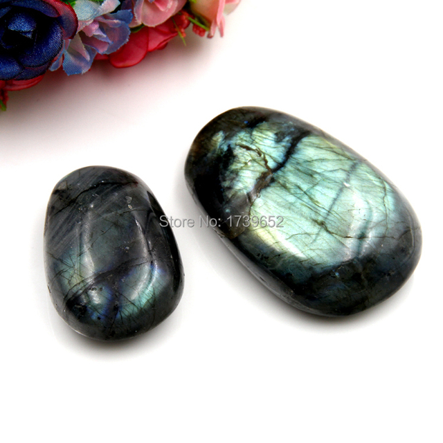 2017 Natural Labradorite Tumbled Stones Bead Point Natural Chakra beads pendants necklaces Healing Reiki Only one Key Chains
