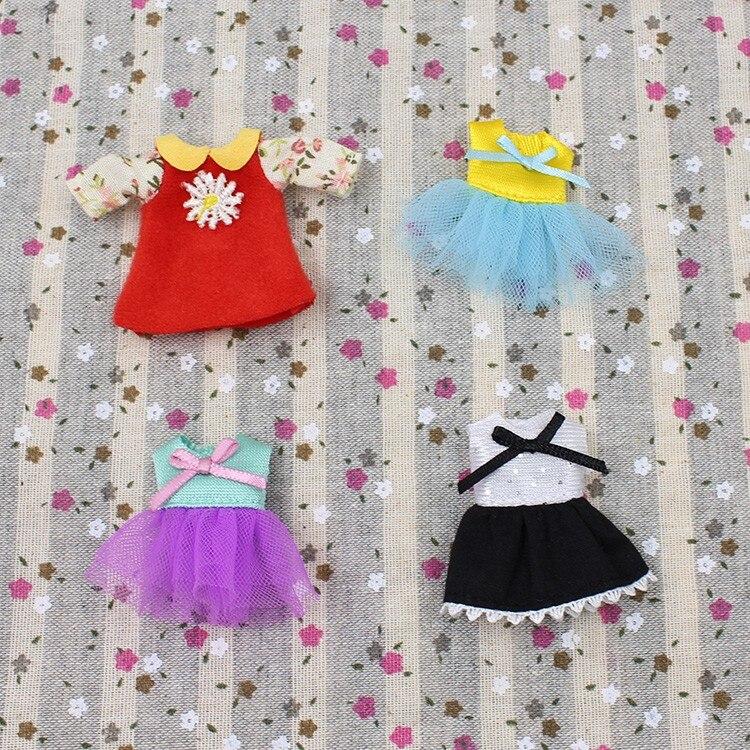Petite Blythe Doll Dress 1