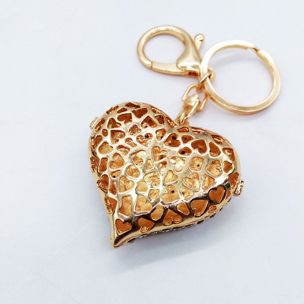 New Fashion Exquisite Love Shaped Key Chains Holder Jewelry Key Chain Buckle HandBag Pendant For Bag Keyrings KeyChains se213