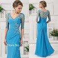 Luz Azul Chiffon Decote Em V Vestido de Festa Elegante Ver Através de Volta Metade Mangas Mãe da Noiva Vestido de Renda Frisado