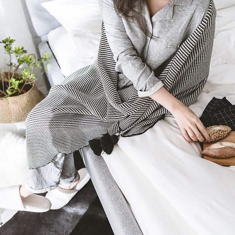 Noir Doux Coton Couverture Adultes Crochet Fil Tricoté Couvertures Couvre-lits de Couchage Air Conditionné Couverture Pour Bébés Gland