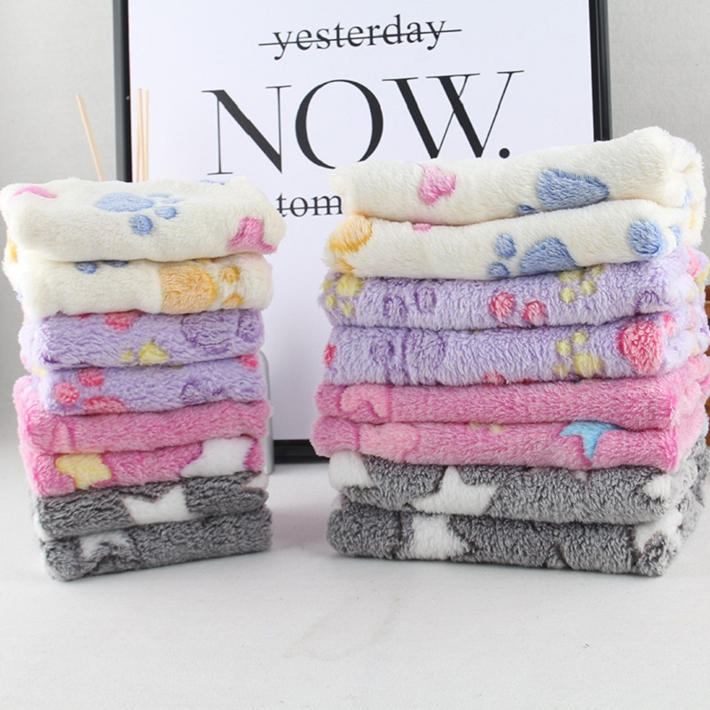 Pet Blanket Winter Dog Cat Bed Mat Foot Print Warm Sleeping Mattress Dogs Cats Coral Fleece Warm blanket Pet Supplies