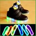 2017 Европейский Прохладный новый бренд СВЕТОДИОДНЫХ освещенные детские кроссовки горячие продаж девушки парни shoes высокое качество Прекрасные детские сапоги