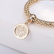 Conjunto de três pulseiras com pendente árvore da vida rebordo redondo