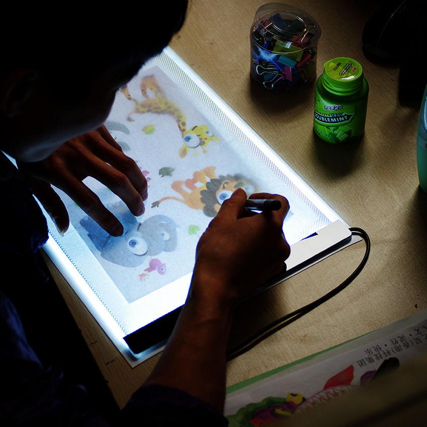 1 Sada A4 Trasovací kreslicí deska LED Umělec Tenká umělecká šablona Stencil deska Stínící deska Deska Deska Světelná skříňka