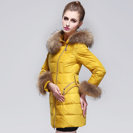 2015 New Winter Thicken Warm Woman Down Jacket Coat Parkas Outerwear Tee Raccoon Fur Collar Mid Long Size 2XXL Slim Luxury H4398 2016 new hot winter thicken warm woman down jacket coat parkas outerwear hooded raccoon fur collar long plus size xxxl slim cold