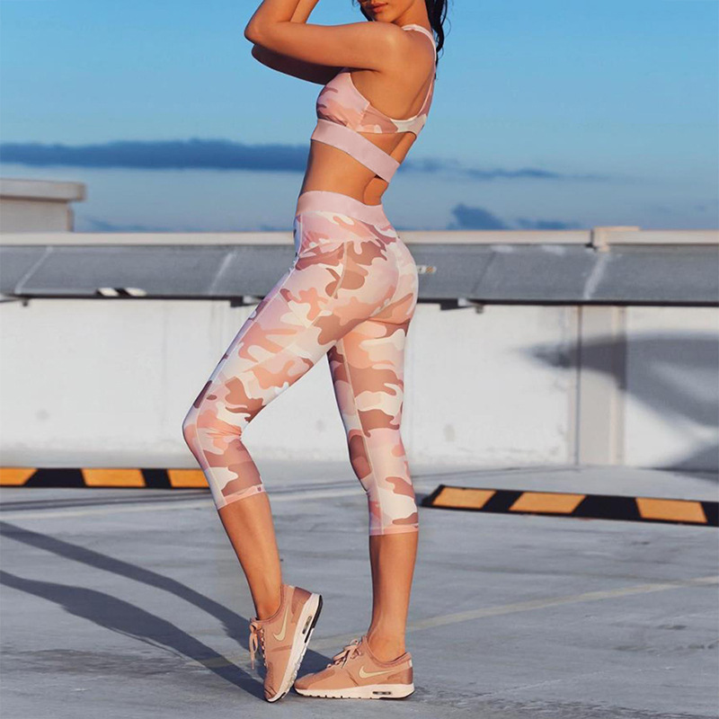 Image 2 - Hot Sale Europe Style Female Sport Suit Women Fitness Sportswear Push Up Print Yoga Set Gym Jogging Suits Running Leggings+Top-in Running Sets from Sports & Entertainment on AliExpress