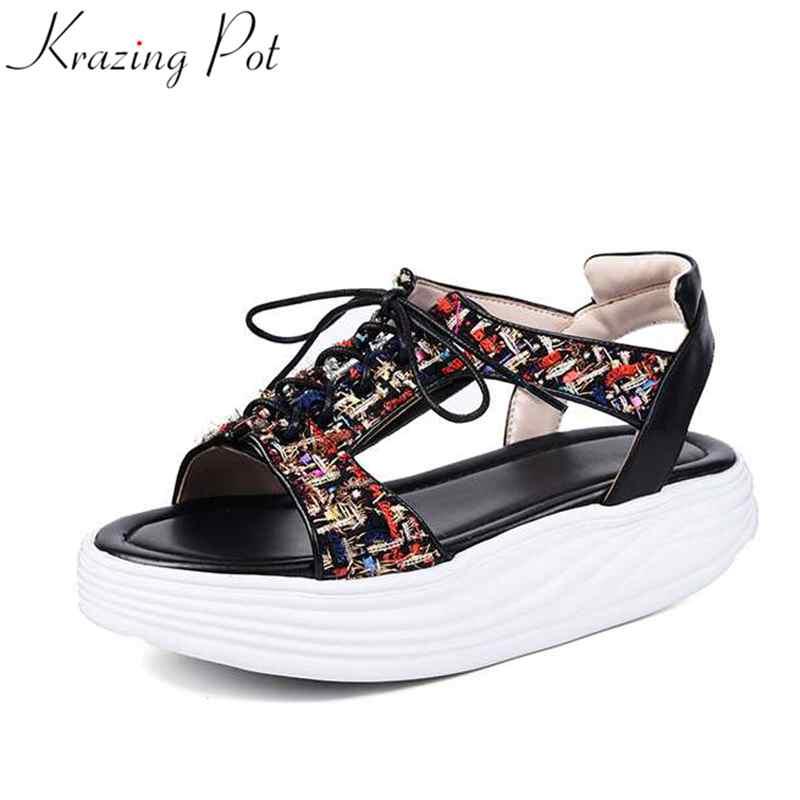 Krazingหม้อผสมสีป๊อปg ladiatorออกแบบที่ไม่ซ้ำmedด้านล่างลูกไม้ขึ้นลิ่มกันน้ำวิทยาเขตหวานผู้หญิงรองเท้าแตะหนังL63-ใน รองเท้าส้นสูงปานกลาง จาก รองเท้า บน   1